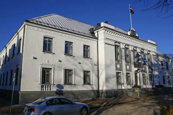 Dome informē par jauninājumiem sociālās palīdzības jomā