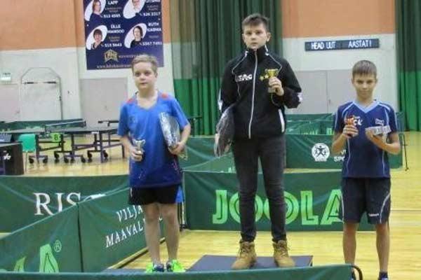 Galda tenisā Igaunijā uzvar rēzeknietis