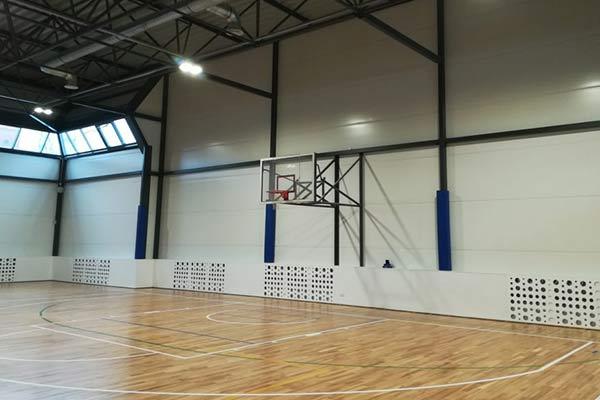 """""""Zilā zāle"""" tiks atklāta ar basketbola spēli"""