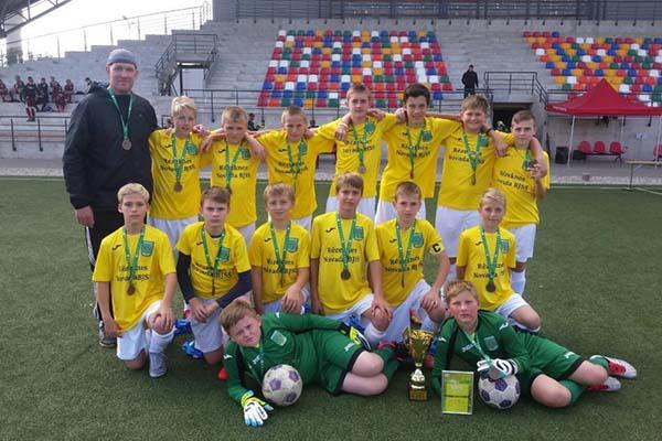 Rēzeknes novada Bērnu-jaunatnes sporta skolas komandai 2016. gada Latvijas Jaunatnes futbola čempionātā iegūta 3.vieta U-13 vecuma grupā