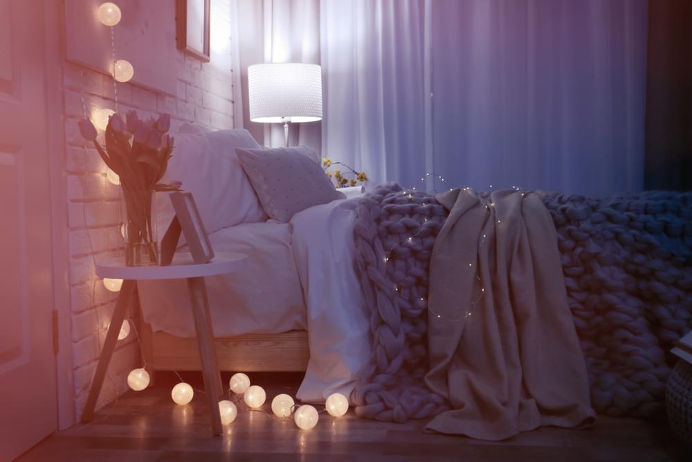 8 padomi mājīgākai guļamistabai