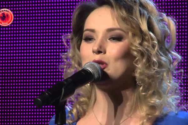 Dziedātāja no Rēzeknes iekaro šovu «Balss» Polijā