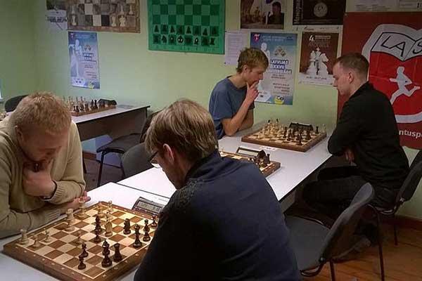 Par studentu čempionu šahā kļuvis RTA students Oļģerts Indričāns