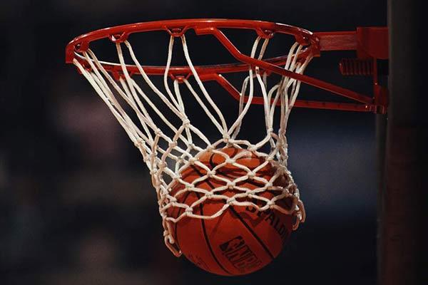 """""""Vidusskolu kauss"""" basketbolā"""